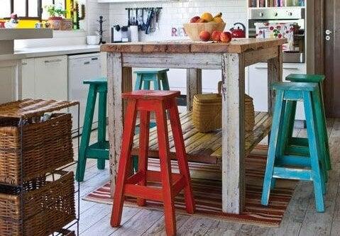 Mesa de cocina vintage.