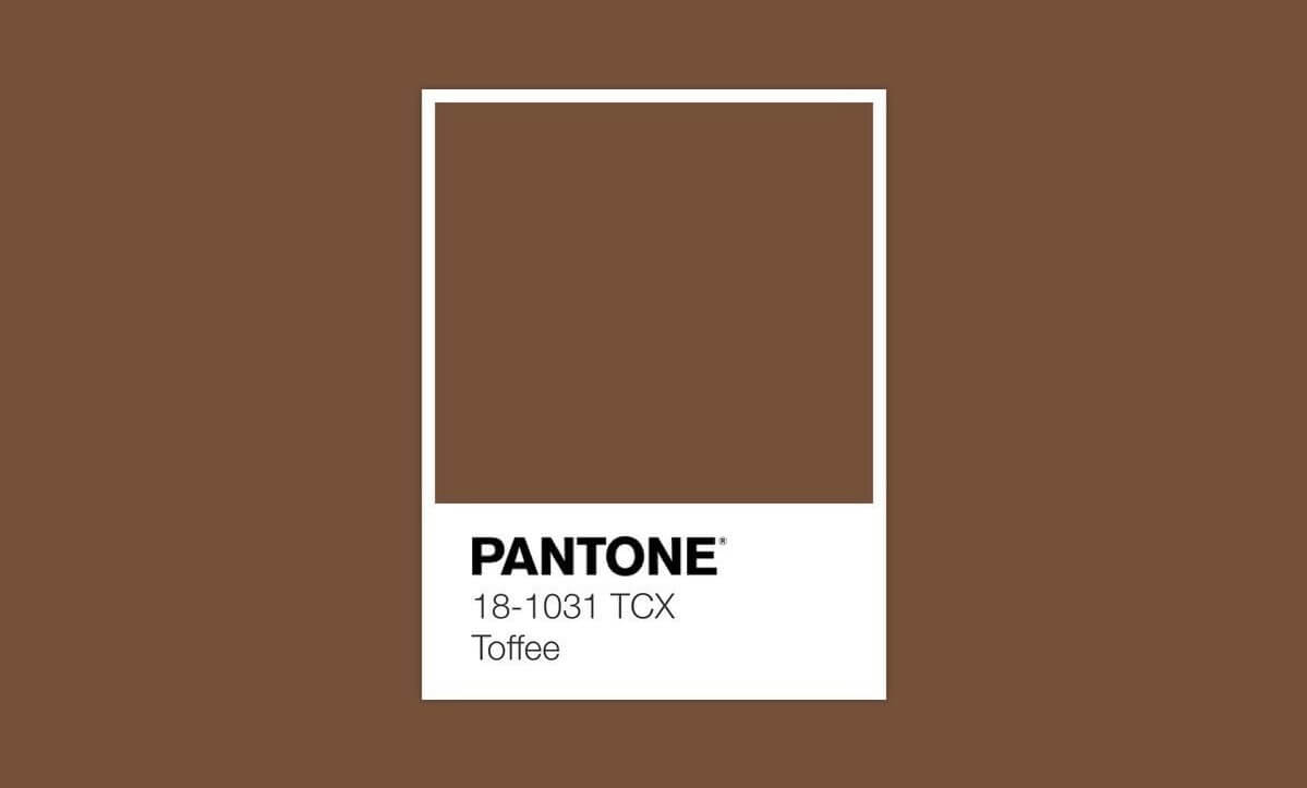 Pantone Toffee.