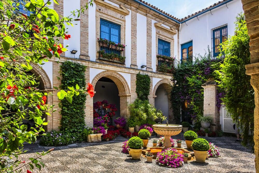 Historia y estética del patio andaluz