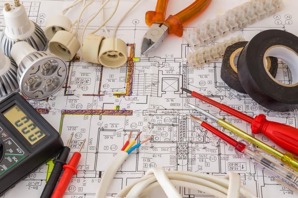 4 secretos internos que solo los electricistas saben
