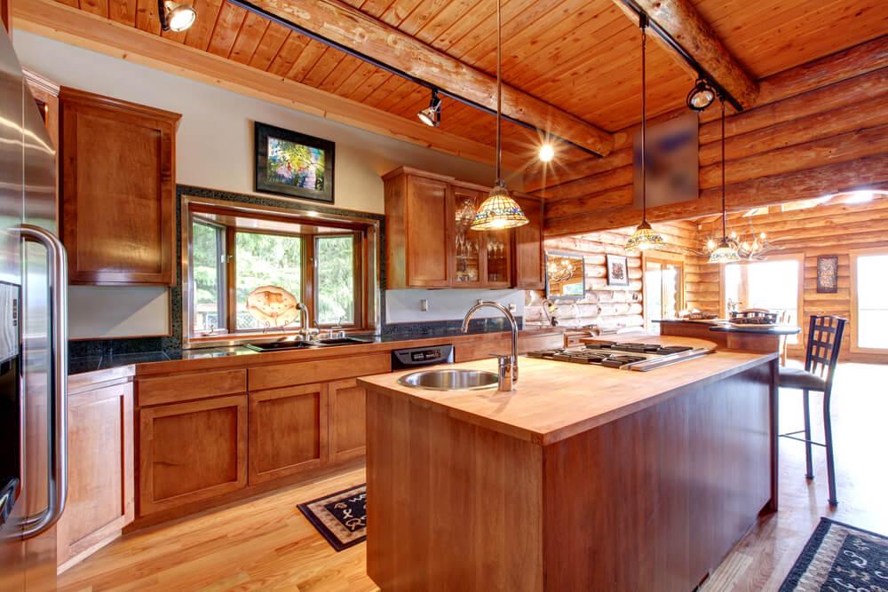 Decoración de una cocina rústica.