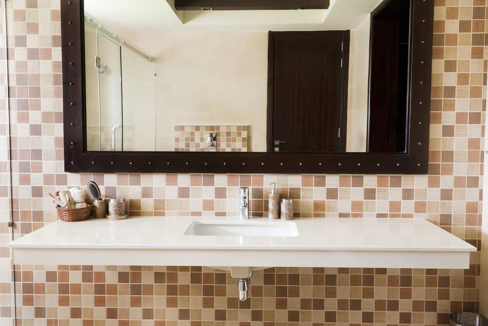 El espejo del baño: cómo combinar diseño y funcionalidad