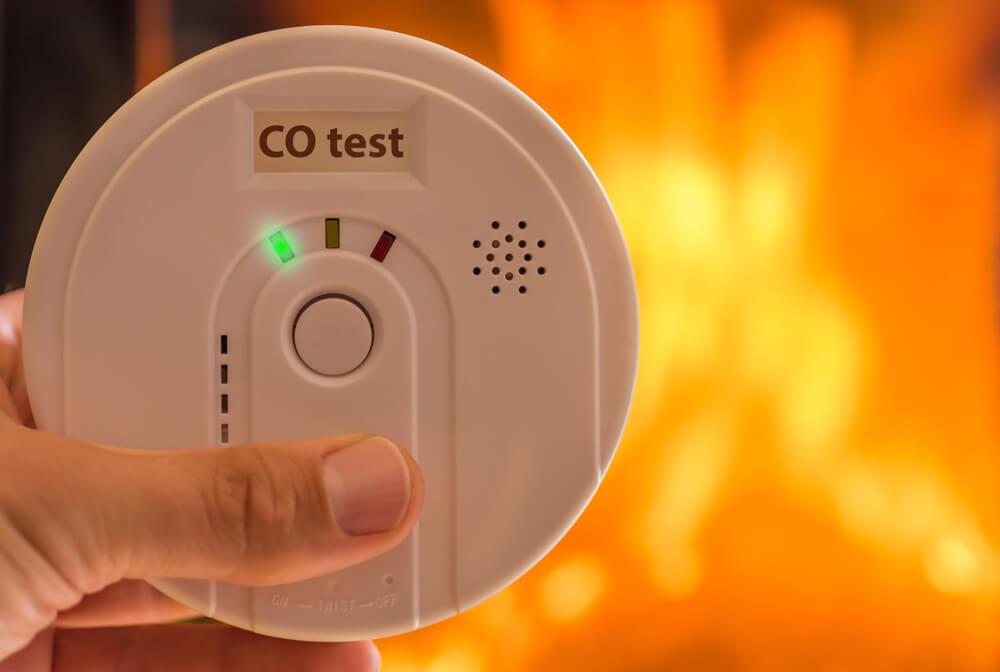 Cuándo y dónde instalar detectores de monóxido de carbono en el hogar