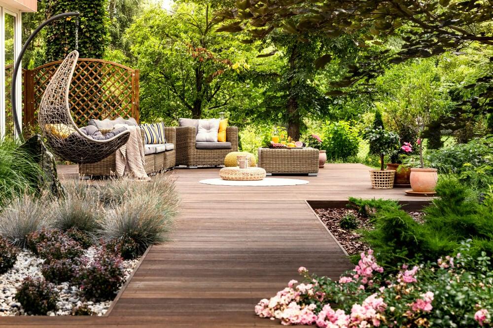 Área de descanso del jardín.
