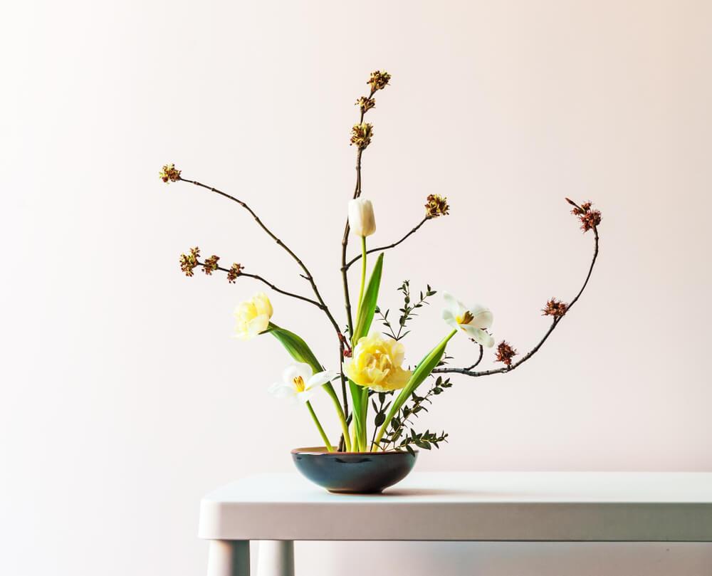 Arreglo floral ikebana.
