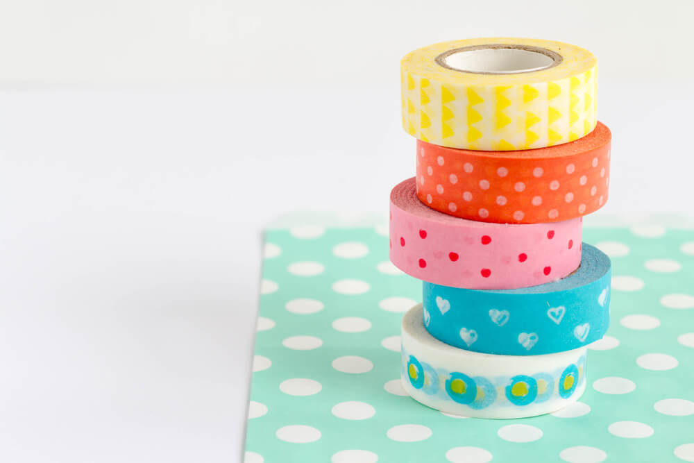 Decorate with washi tapes.