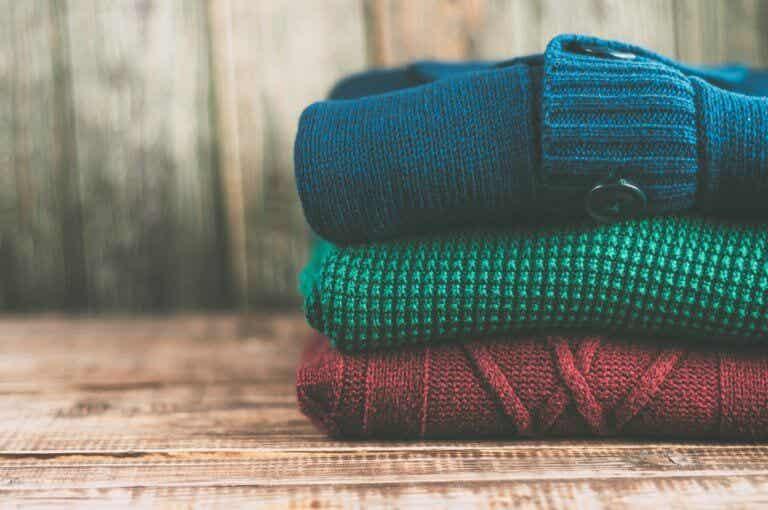Cómo doblar la ropa según el método KonMari