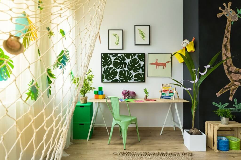 Dormitorio infantil selva.