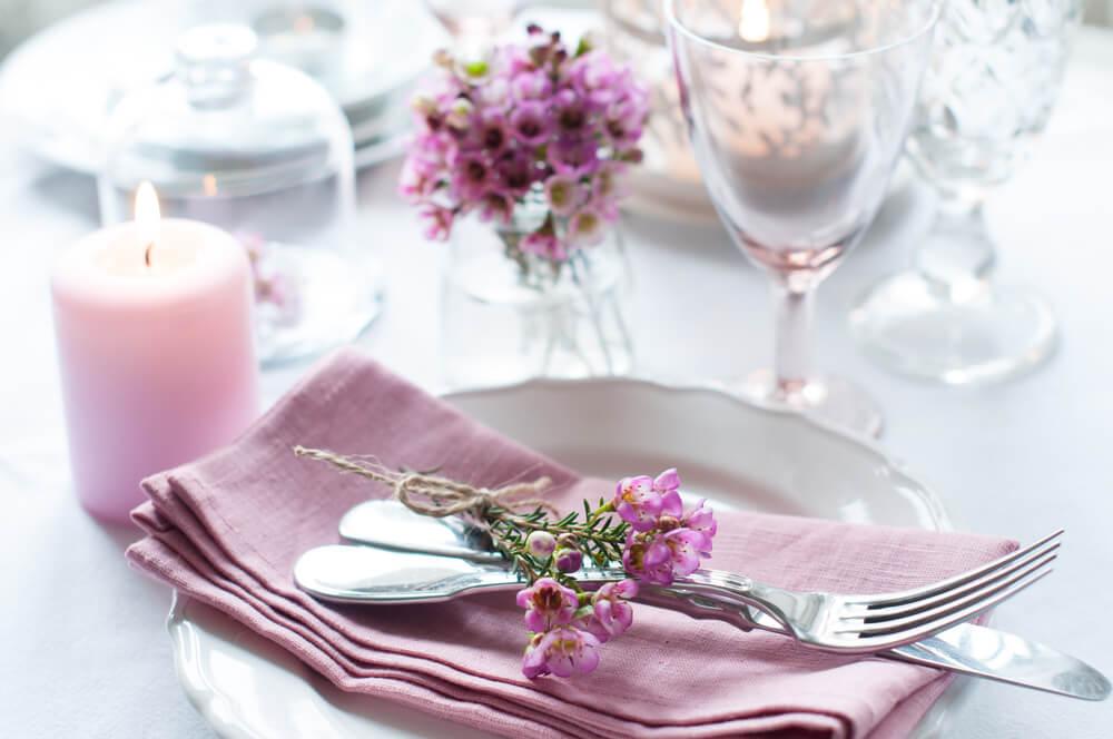 Flores en las servilletas.