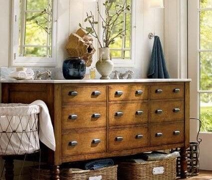Mueble vintage para el baño.