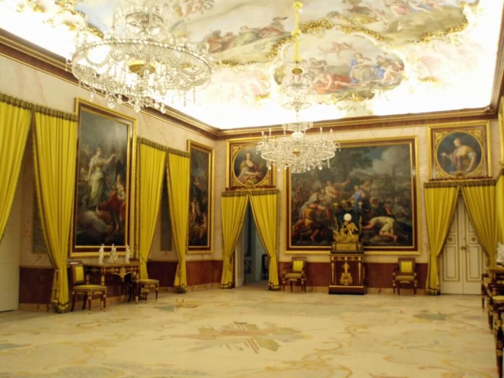 Antecámara de música y arte del Palacio de Aranjuez.