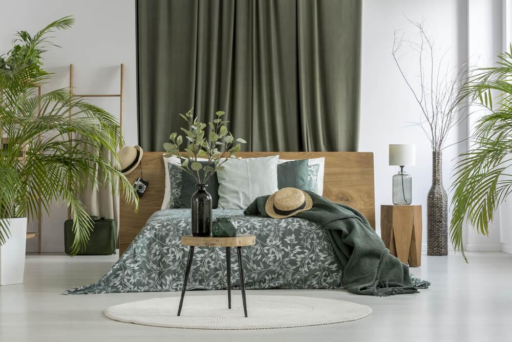 Dormitorio en verde musgo.