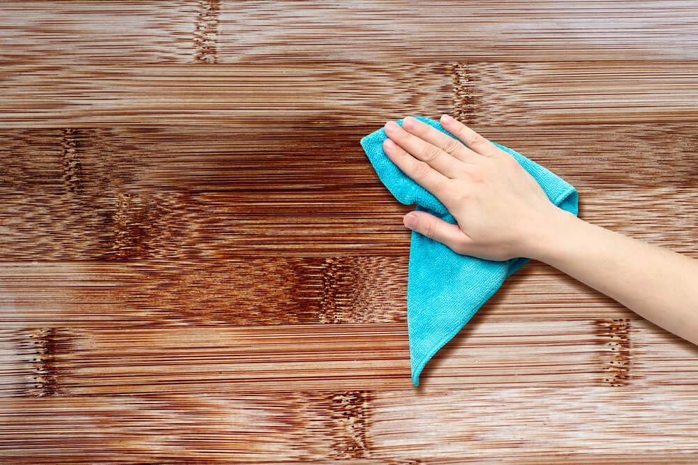 Limpiar madera.