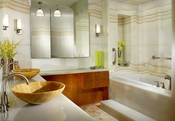 Espejo tríptico para el baño.
