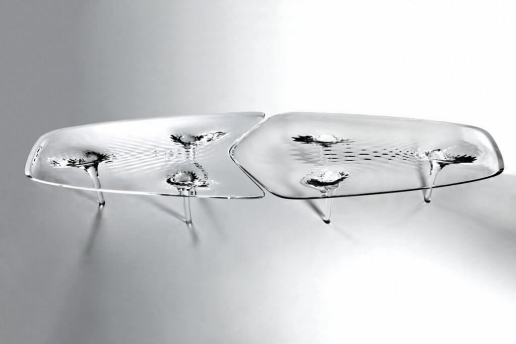 Mesa Liquid Glacial de Zaha Hadid.