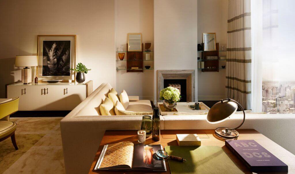 Salón cálido de David Collins.