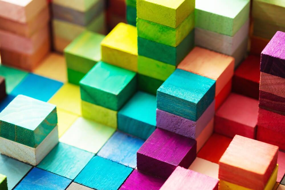 Color-blocking.
