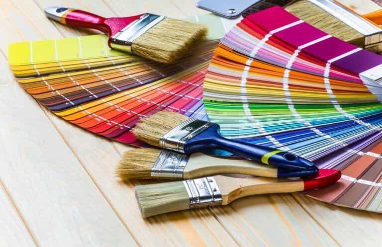 Decoración multicolor en interiores