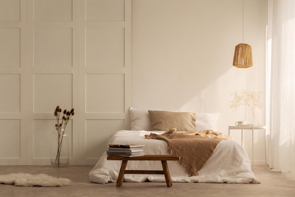 Dormitorio de estilo zen.