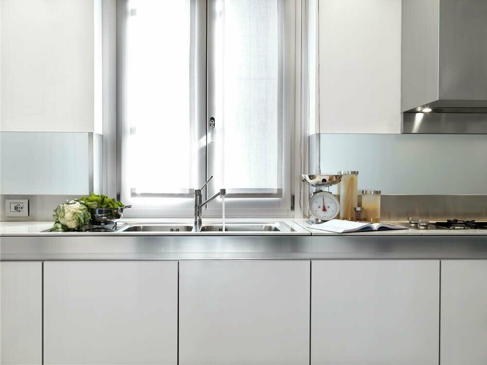 Cocinas con acabado metalizado, ¡la última tendencia!