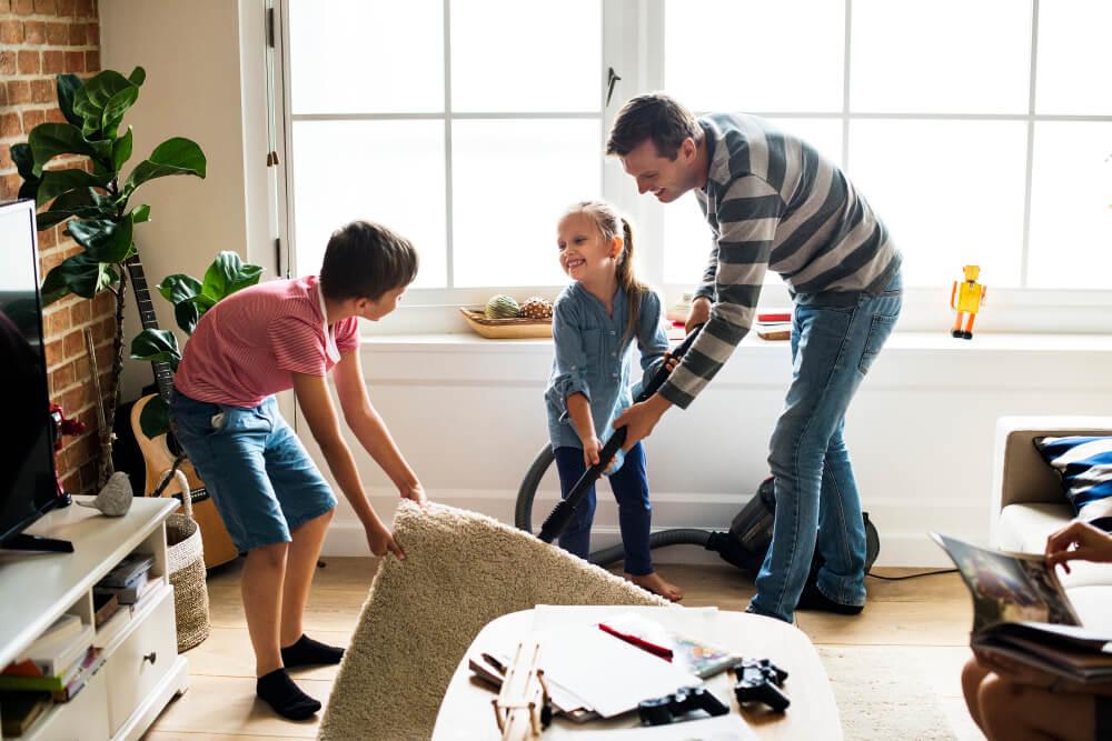 Enseñar la limpieza a tus hijos-