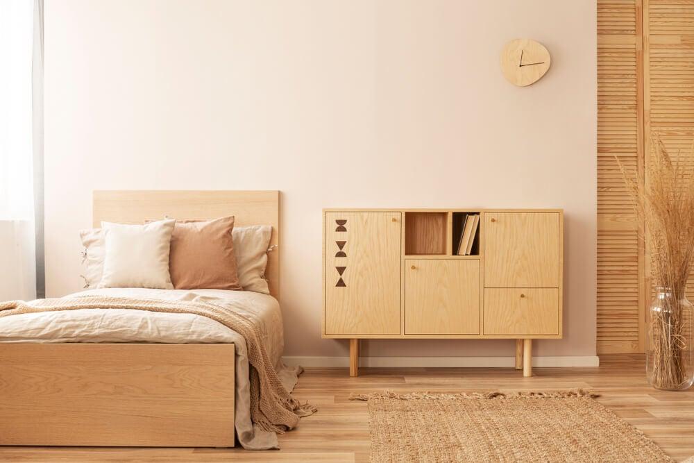 Mobiliario de un dormitorio zen.