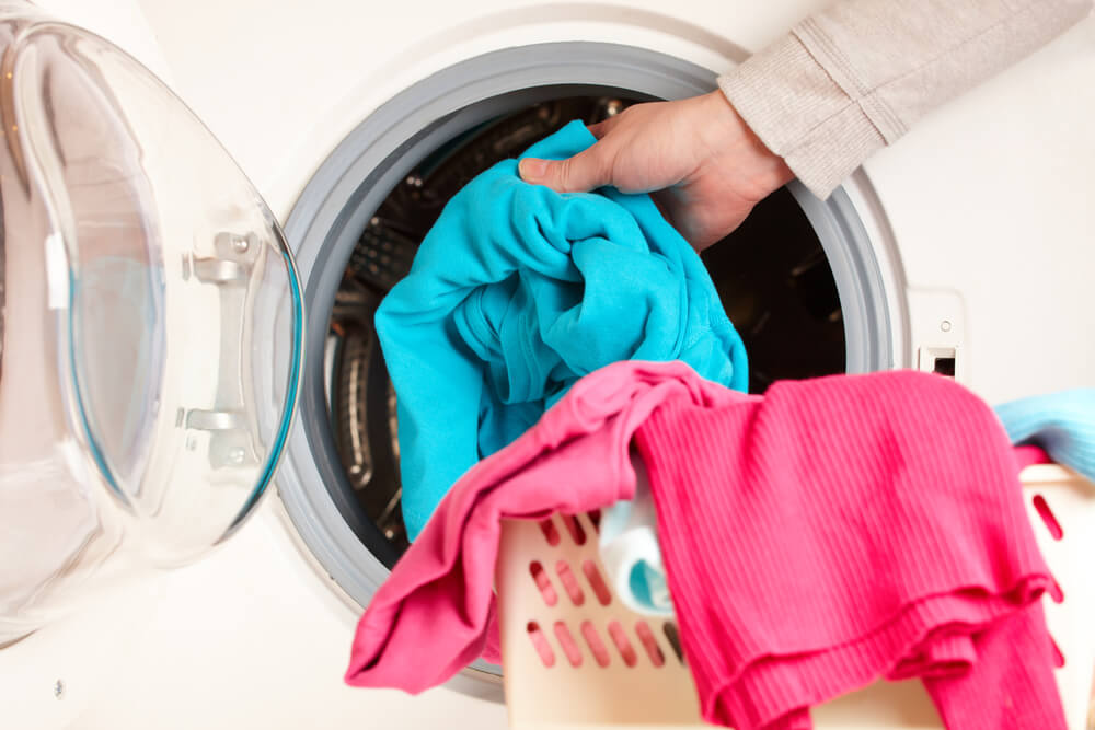 Poner una lavadora.