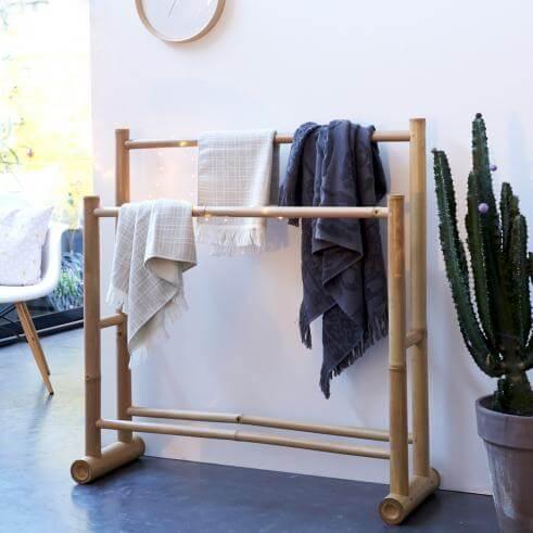 Toallero de bambú.