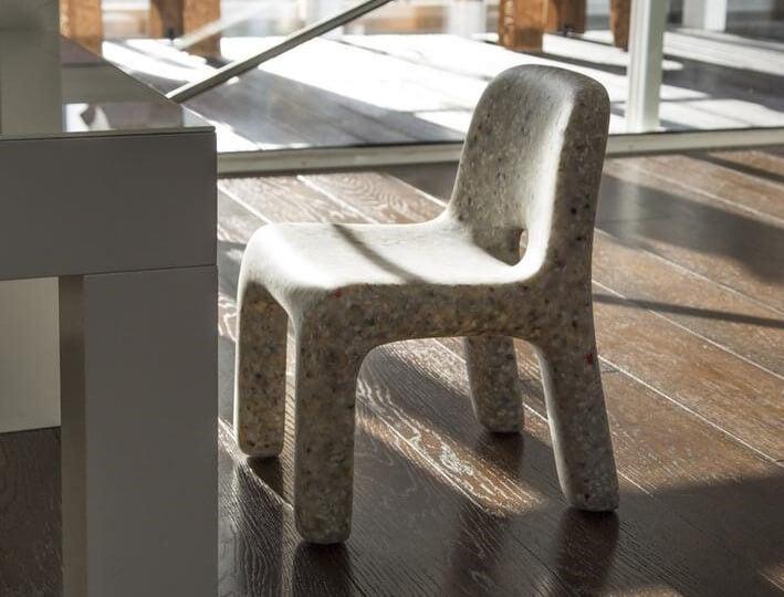 Charlie chair white.