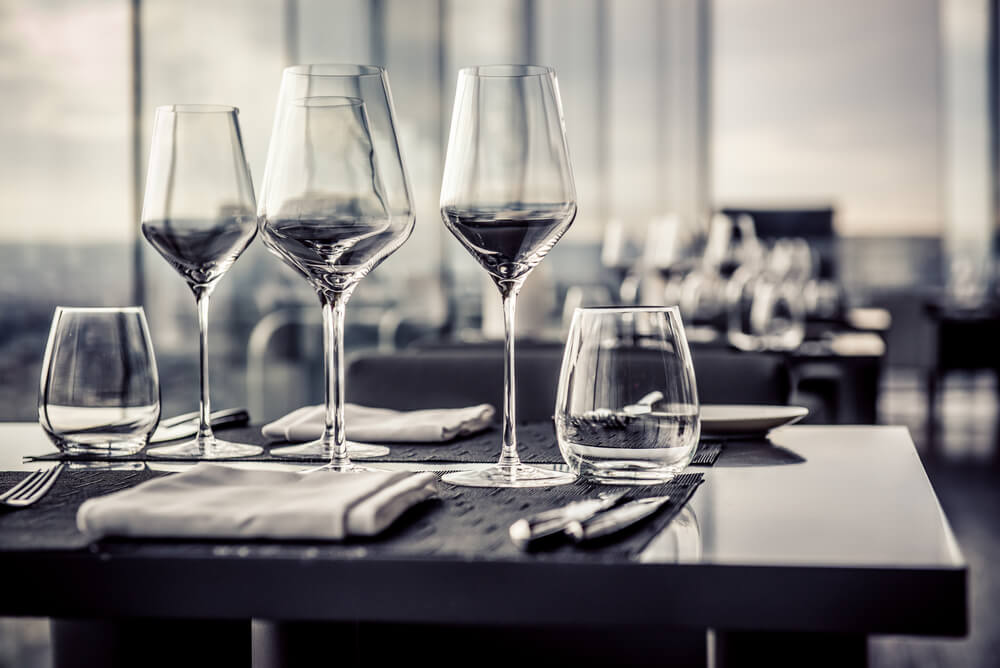 Copas de cristal para mesa.