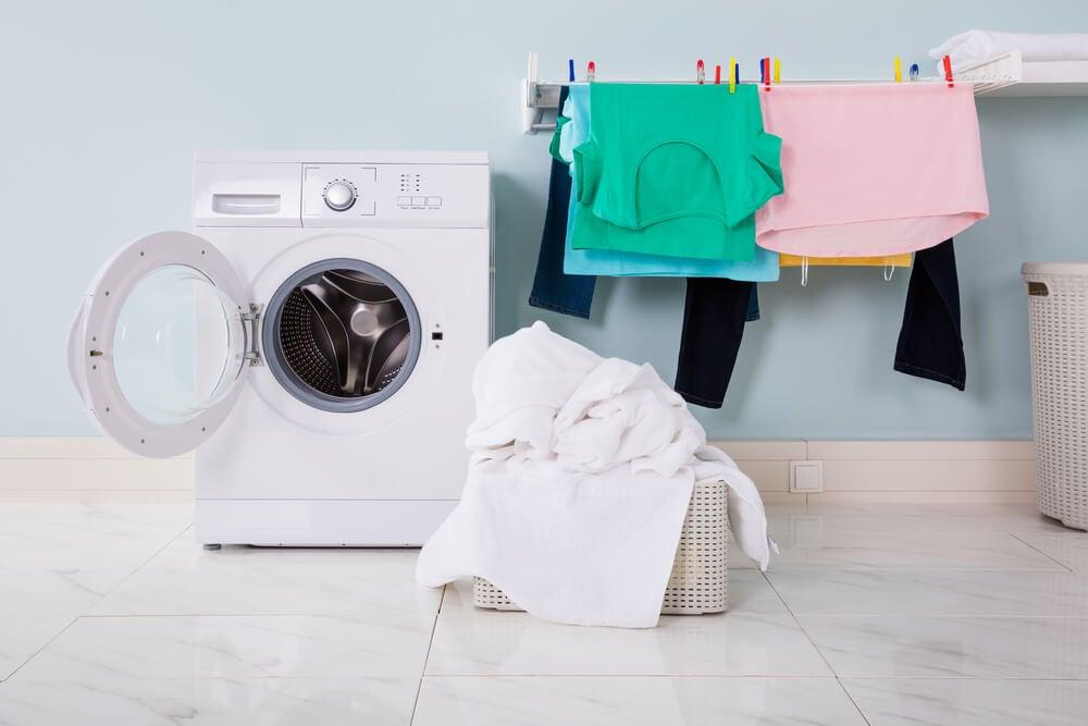 Cuerdas en una lavandería.