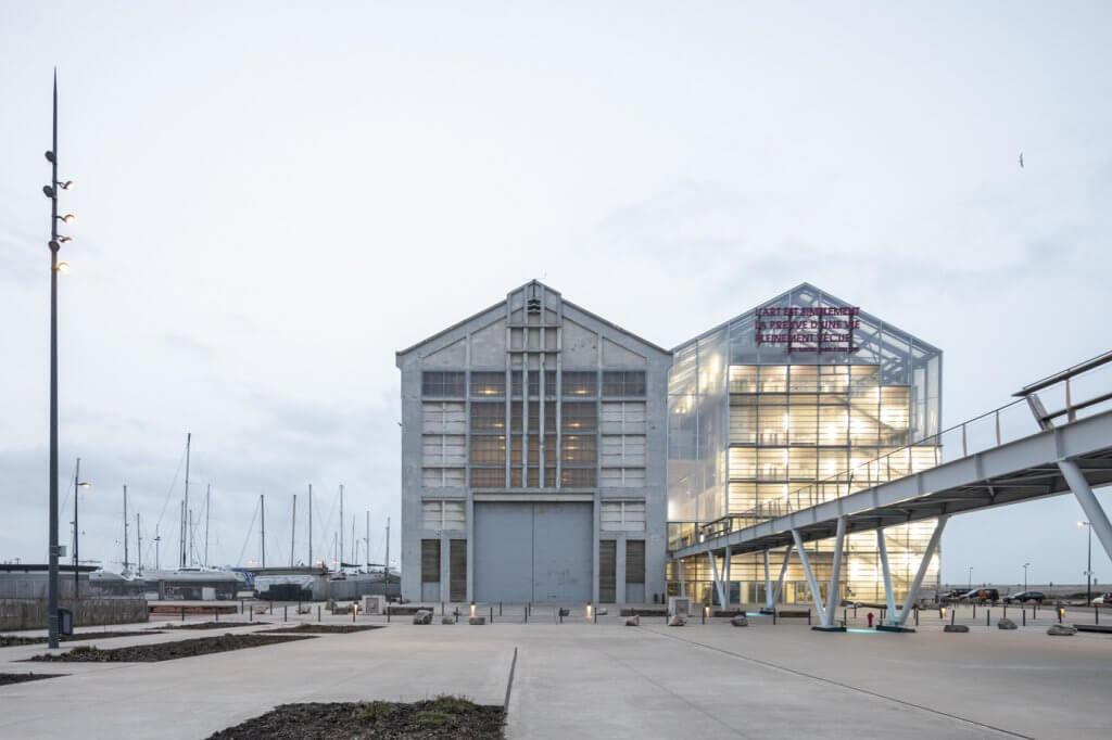 Fábrica rehabilitada en Dunkerque.