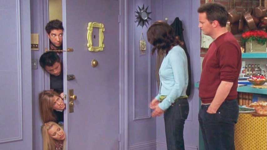 Marco dorado puerta.