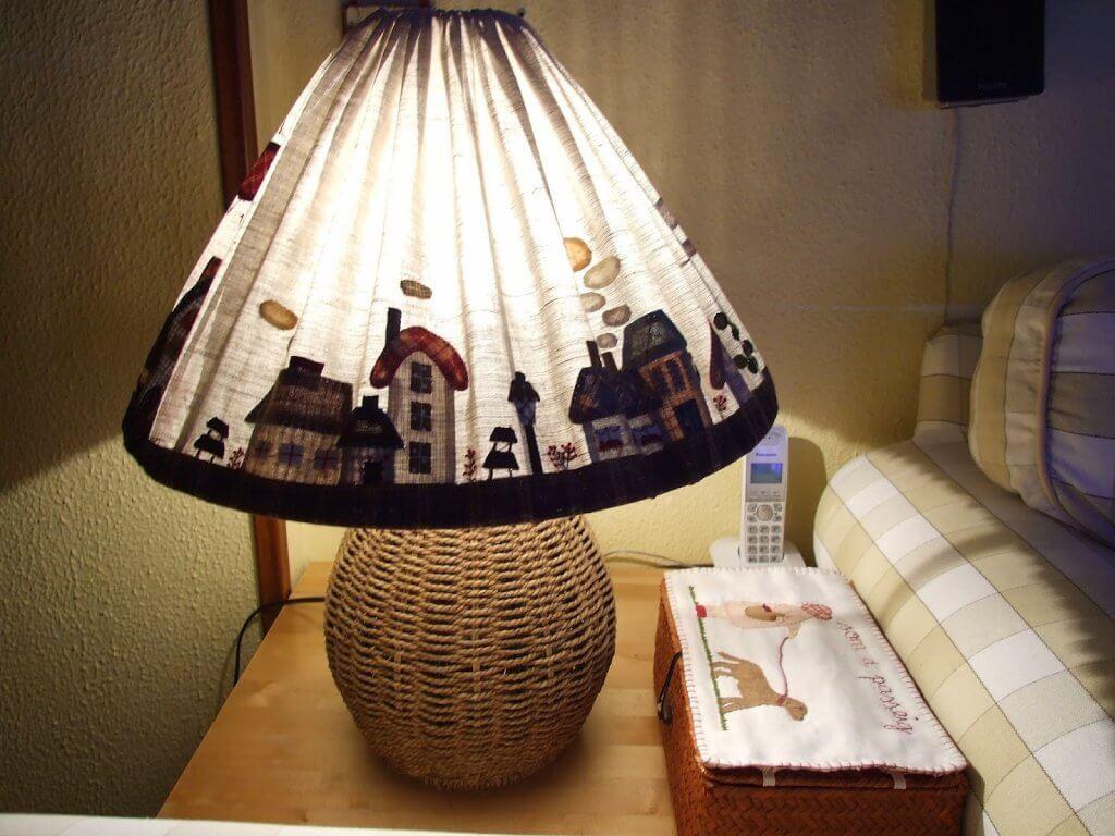 ¿Cómo hacer una pantalla para una lámpara?
