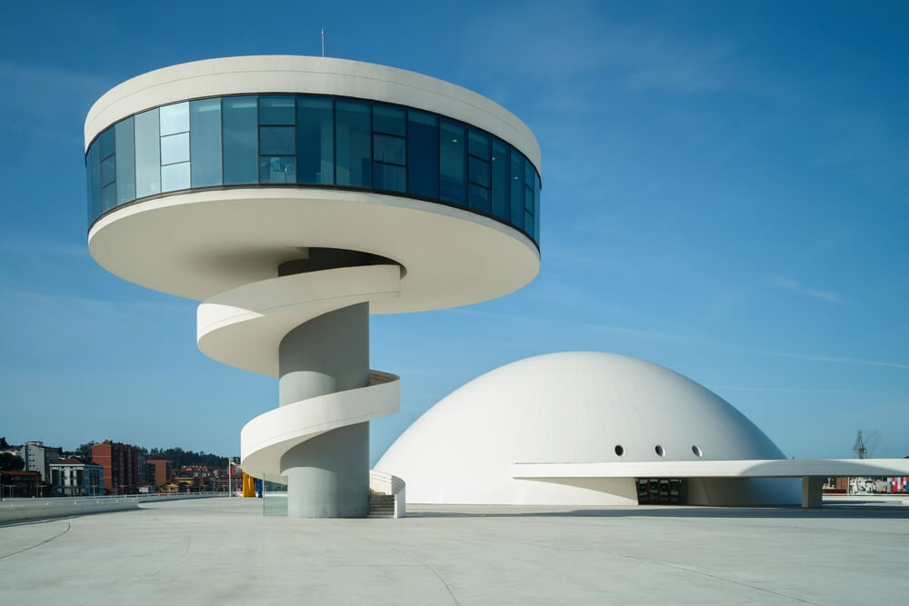 Centro de Avilés de Oscar Niemeyer.