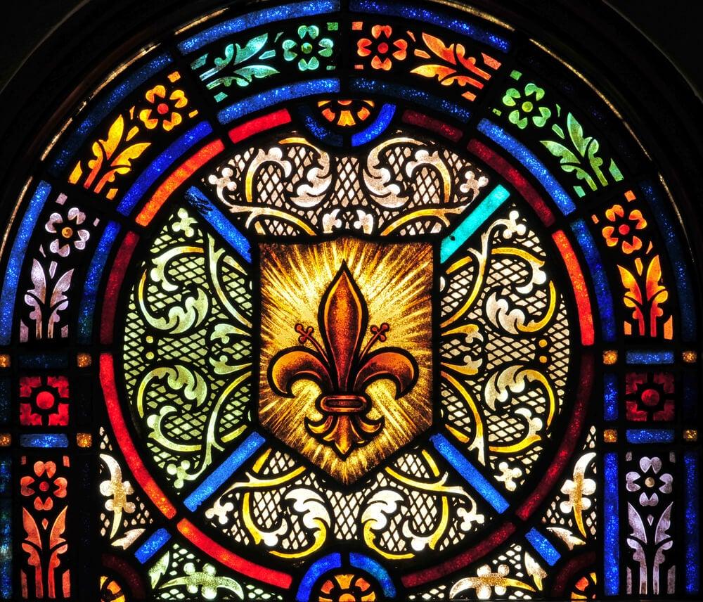El uso de la flor de lis como motivo decorativo