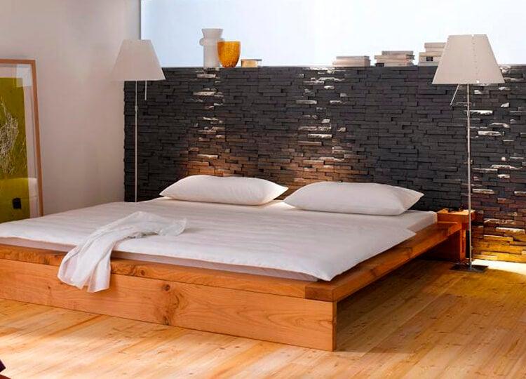 Cabecero de piedra para el dormitorio.