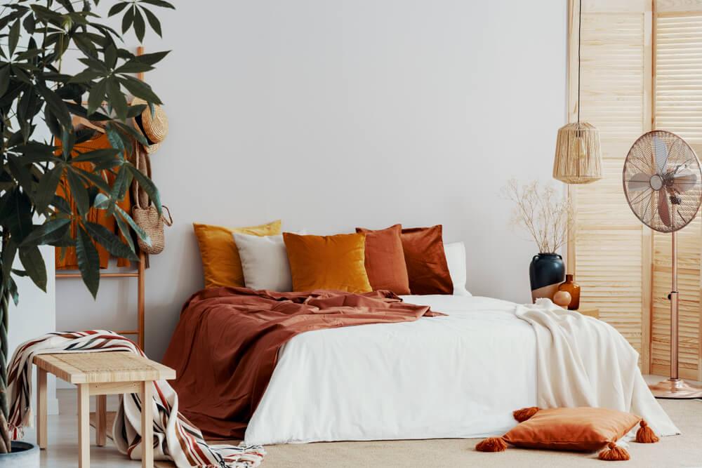 Colores otoñales para el dormitorio.