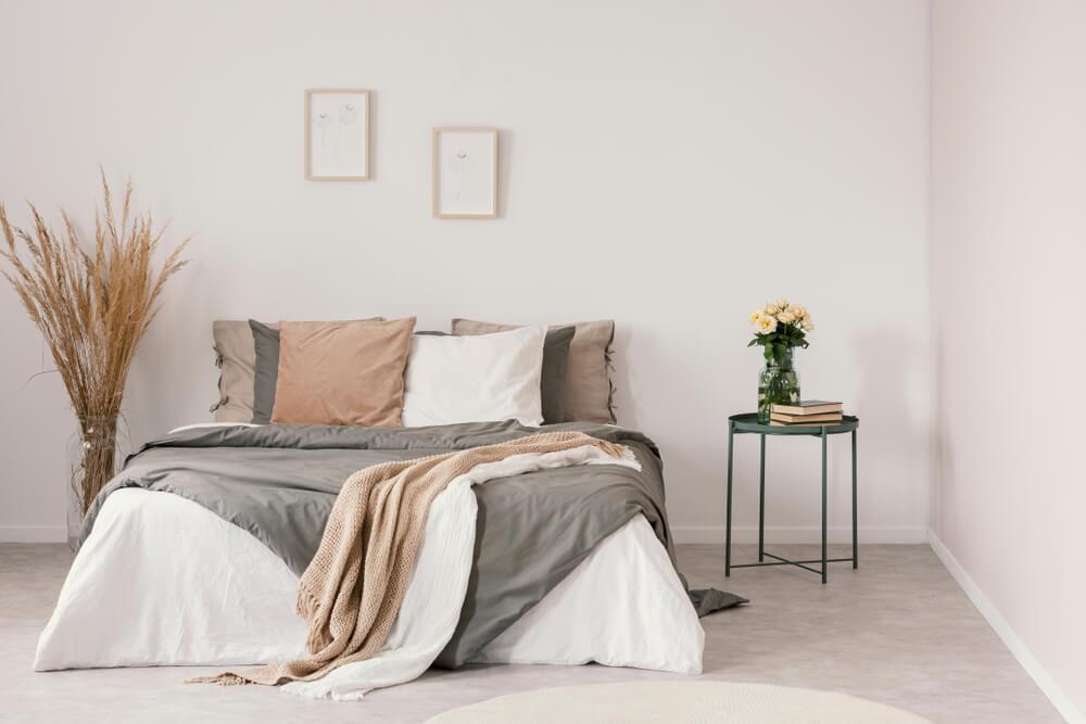 Cómo crear un fantástico dormitorio en tonos neutros - Decor Tips