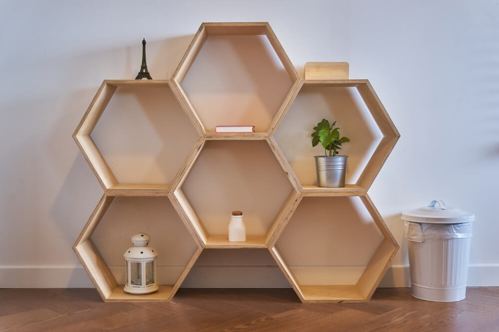 Estantería hexagonal.