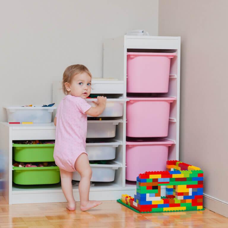 ¿Cómo guardar y almacenar en una habitación infantil?