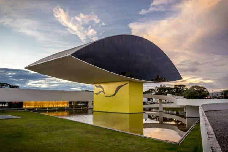 El museo Oscar Niemeyer, el ojo de Curitiba