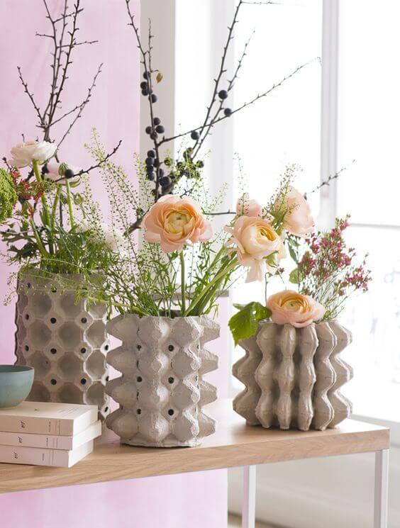 recursos decorativos con hueveras: jarrones