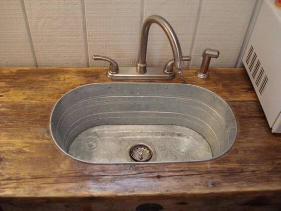 Caprichos decorativos para el baño: lavabo rústico