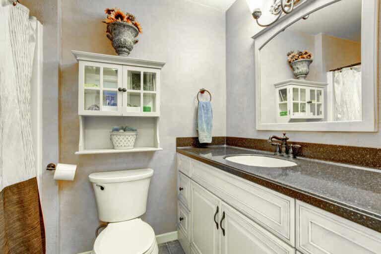 Consejos para que tu baño luzca más amplio