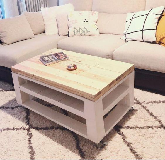 Mesa con palets en blanco