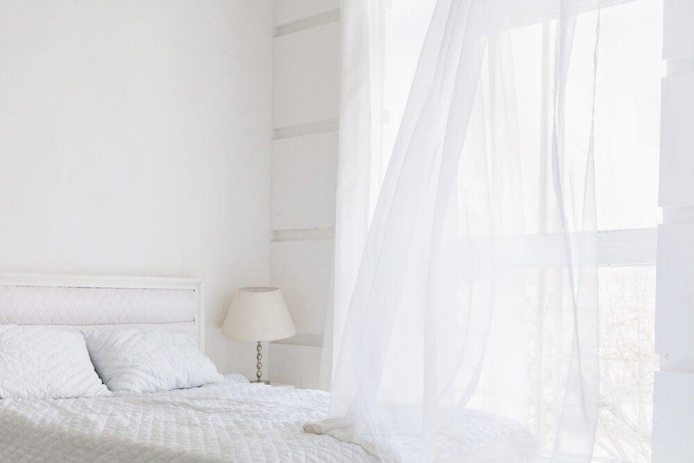 Dormitorio total white