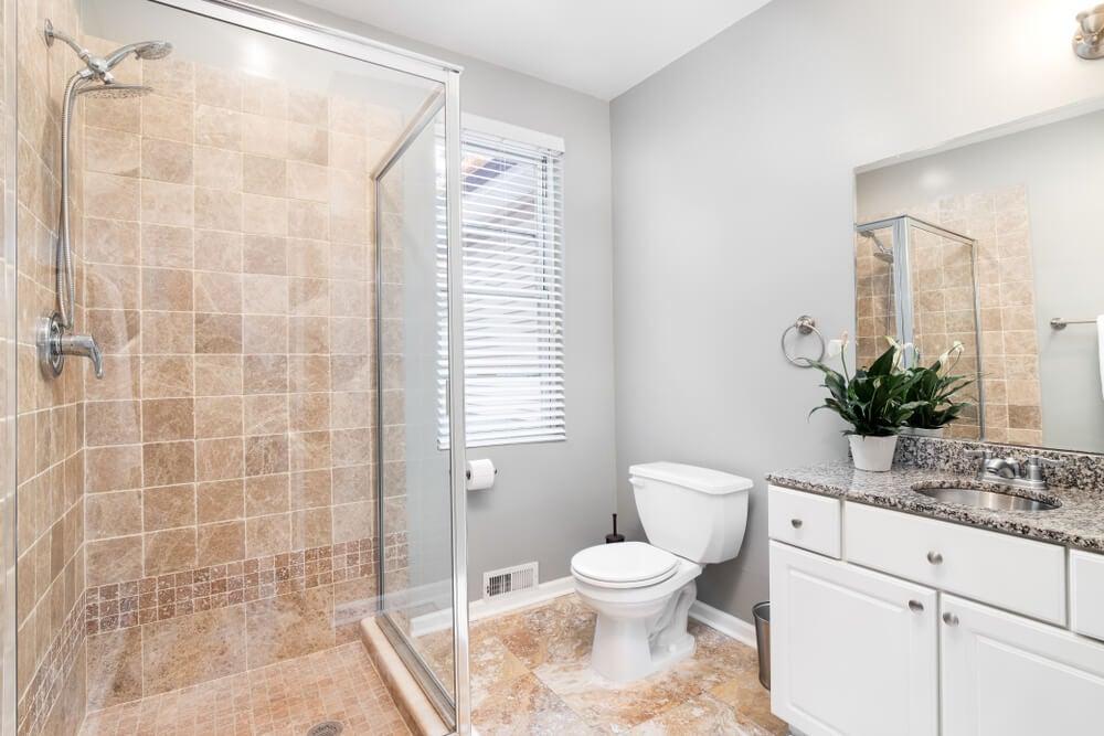 4 tipos de texturas en la azulejería del baño