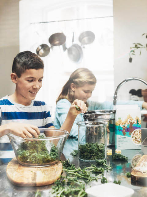 Niños en casa: tareas del hogar compartidas
