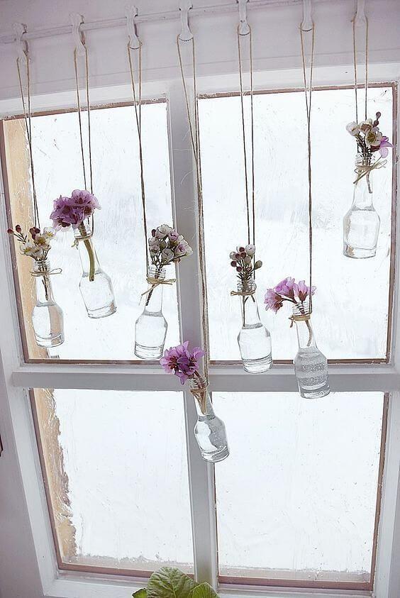 Decorar las ventanas con botellas